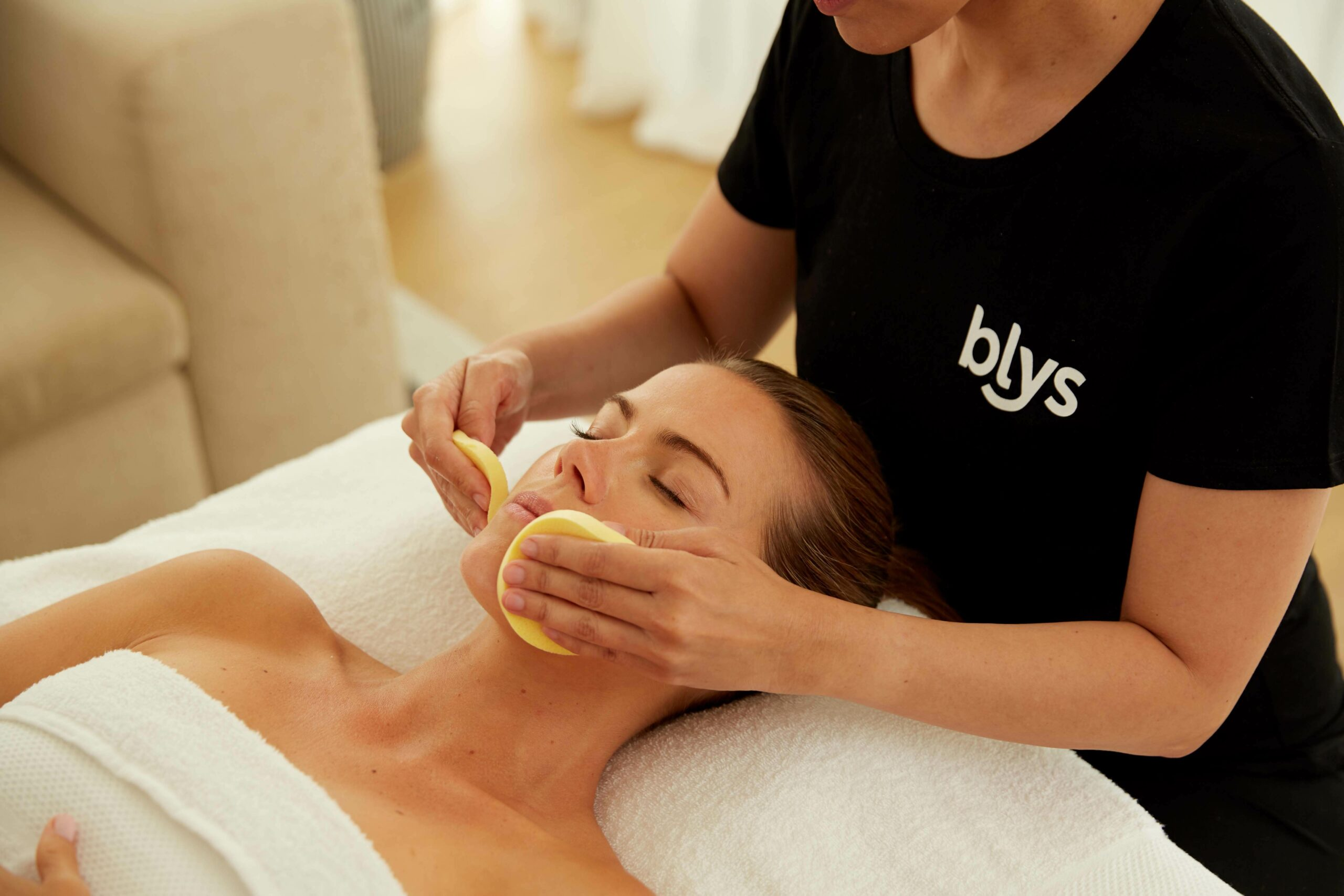 mobile facials and beauty at home melbourne